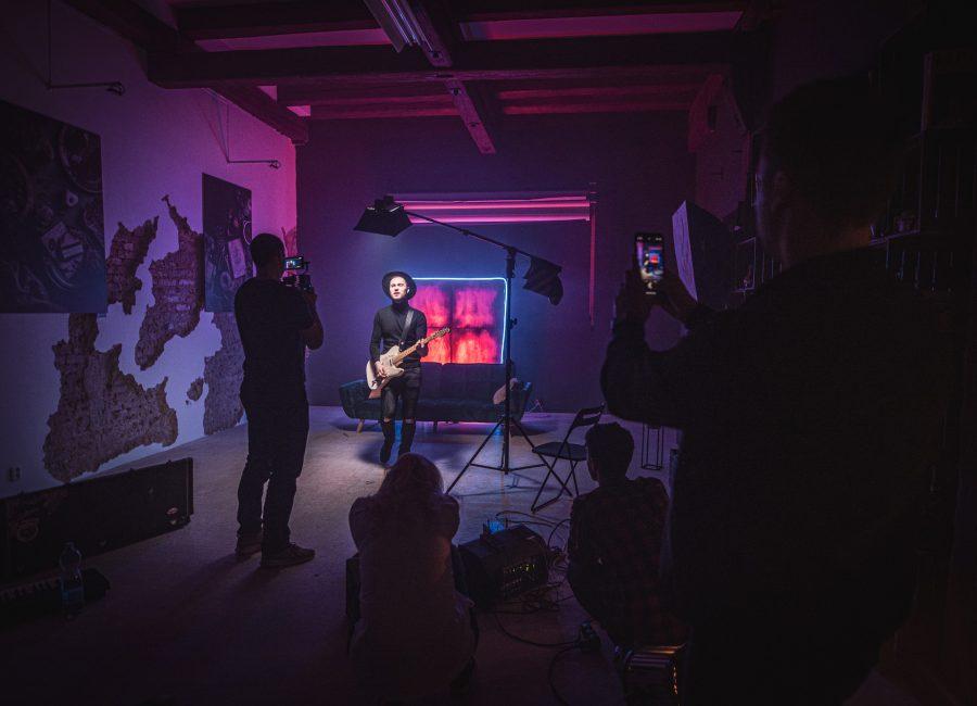Backstage z natáčení hudebního videoklipu v Brně